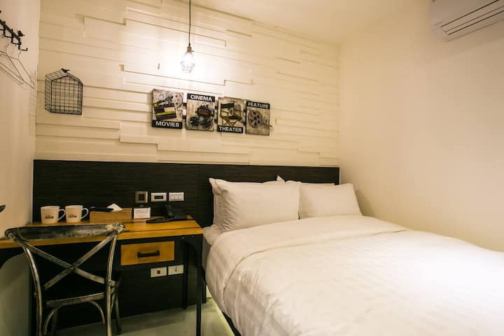 Small Double Room | 5min MRT