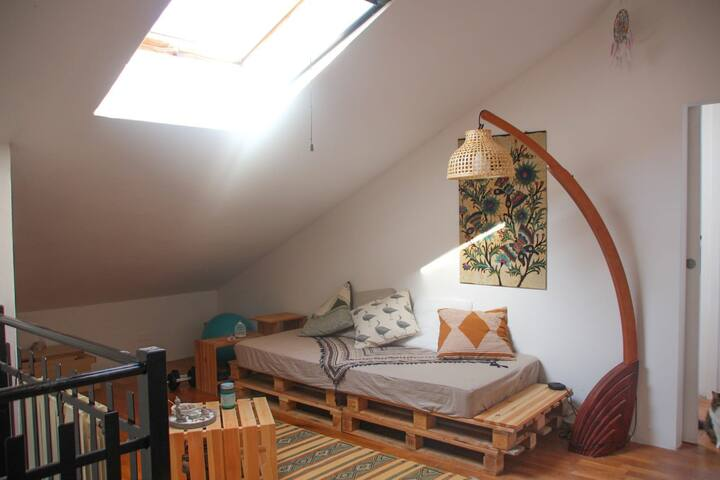 Attic Cosy Room With Private Bathroom