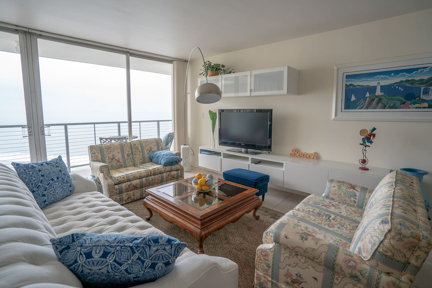 Relax to the sounds of the ocean.  Not only can you listen to each wave as it comes  ashore you can watch them as well.  Both the living room and dining room have oceanfront views.  Internet, cable and WIFI are all included.