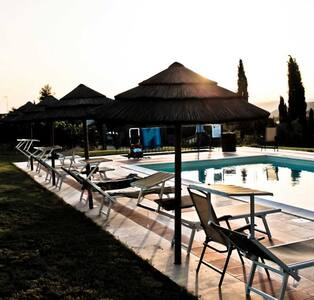 Agriturismo, Camera Matrimoniale + Piscina - Catabbio - Bed & Breakfast