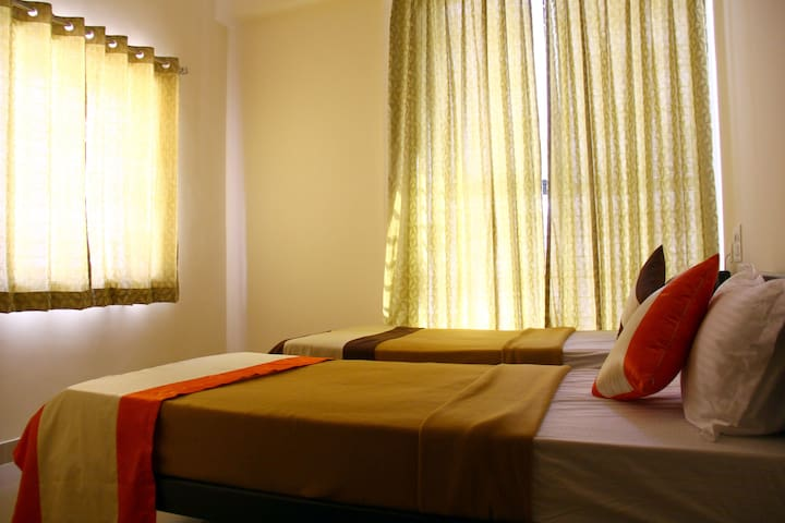 Air conditioned Twin bedroom near Mysore Palace
