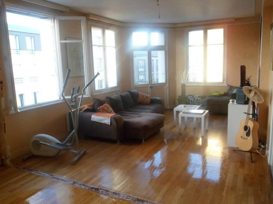 chambre agr able dans appt 112 m2 r nove en cours appartements louer brest bretagne france. Black Bedroom Furniture Sets. Home Design Ideas