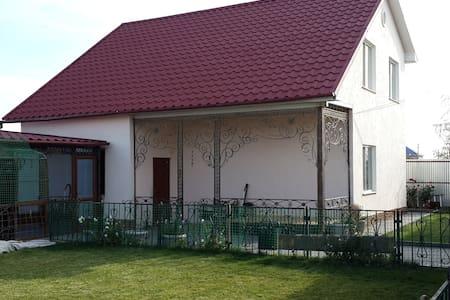 Большая комната для приема гостей - Капчагай - Huis
