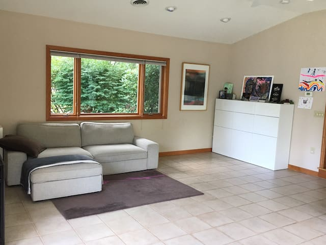 Perfect Football Weekend Room For Rent