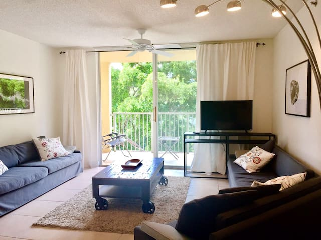 New listing 2 min to Aventura Mall, 5 to the beach - Miami