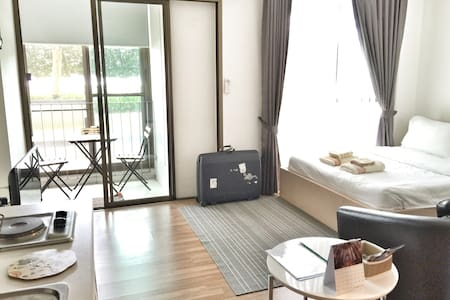 Step to BTS-Free WIFI-Rooftop pool-Comfy bedroom - Bangkok