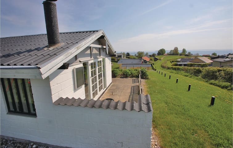 Holiday cottage with 2 bedrooms on 70m² in Hejls