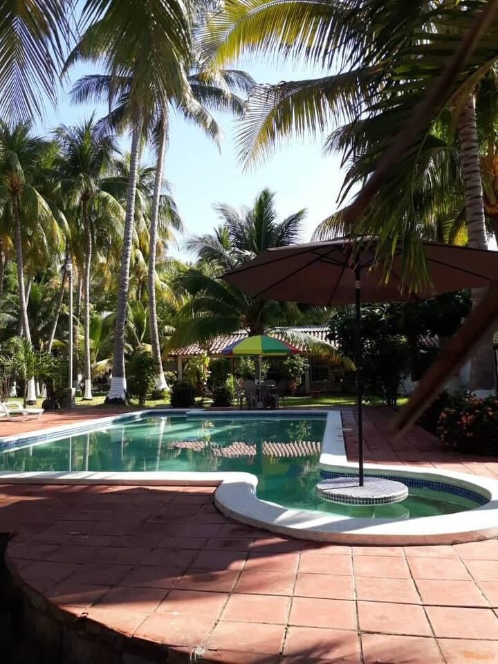 Casa Rio Mar, spacious clean property surf and fun