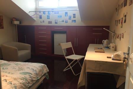 阁楼房间,独立卫浴
