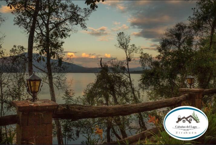 Cabaña Azaleas, vista y acceso al Lago Zirahuén