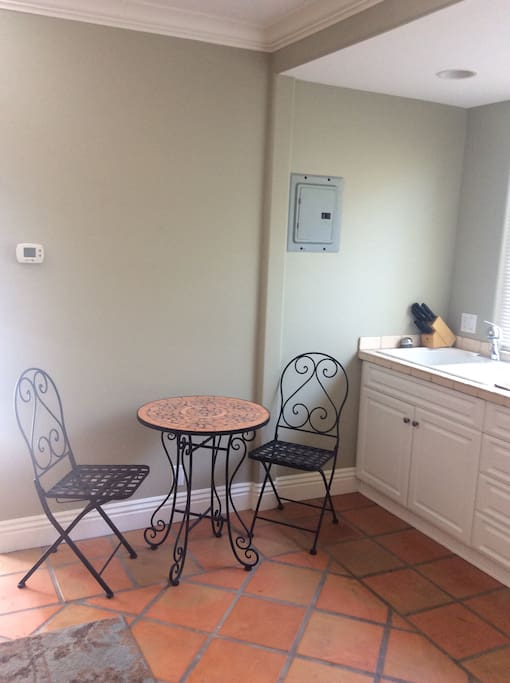 Kitchenette with bistro set