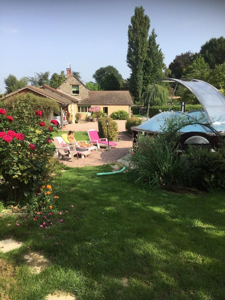 Chambre privée au calme près de Giverny