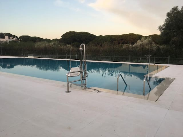 """Modern Vacation Home """"Jardines de Vistahermosa"""" with Shared Pool, Wi-Fi, A/C & Terrace; Parking Available"""