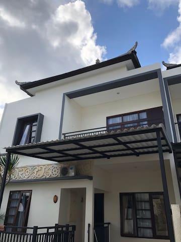 Cemara Townhouse @ Nusa Dua
