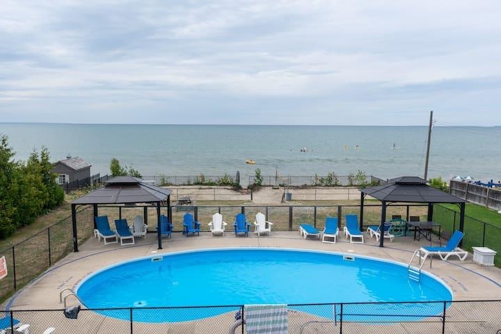 Bayfront Beach Resort- 4A | Wasaga Beachfront Pool