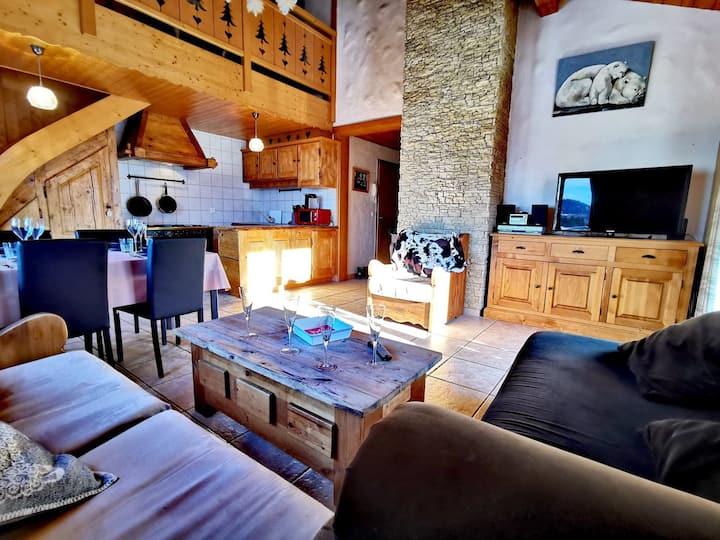 CLOS80 : Appartement rénové, au calme, proximité centre, beaux volumes