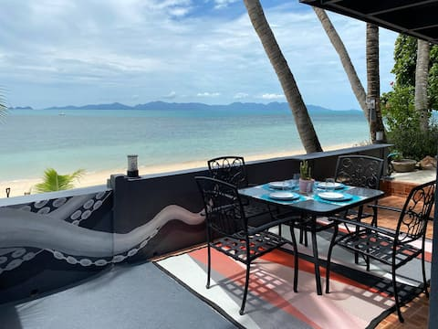 Beach Front villa, great couples getaway