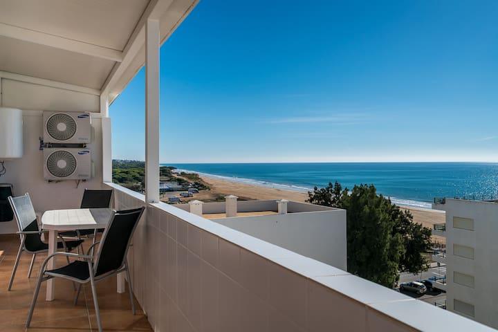 Sharp Blue Apartment, Quarteira, Algarve