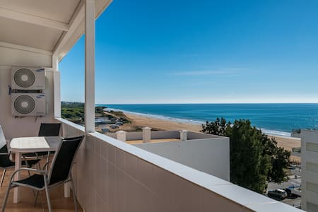 Sharp Blue Apartment, Quarteira, Algarve