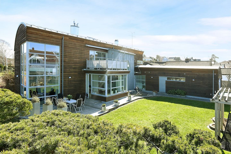 Villa nära hav & buss till gbg   villas for rent in kullavik