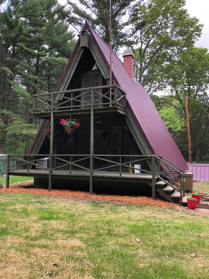 A-frame in the Pines