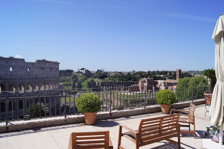 Apartment with terrace Colosseum Centro storico
