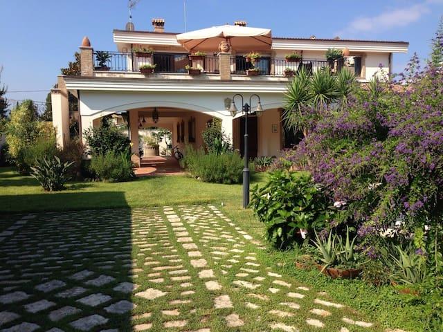 Villa La Sila - Palmi - Villa