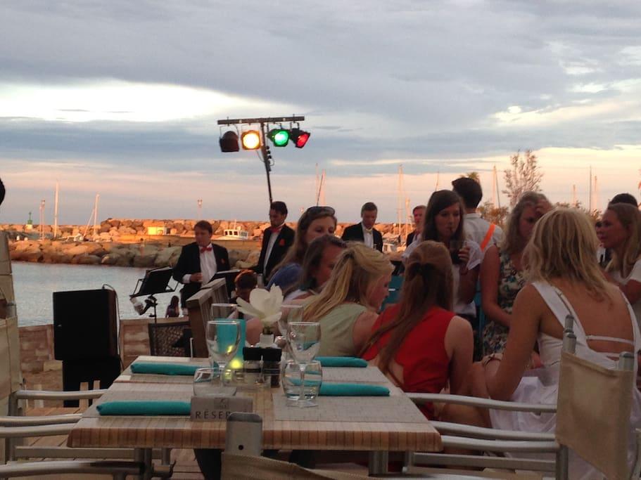 Beach bars & restaurants