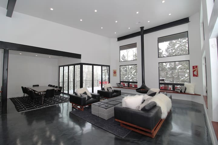 Ski-in/ski-out, king beds, theater room, hot tub