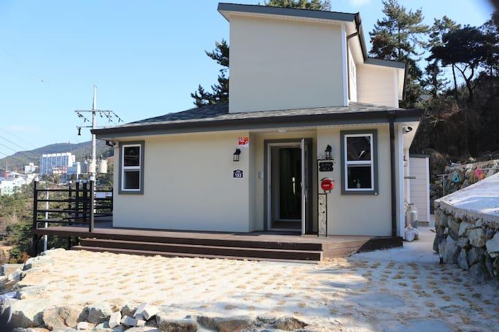 통재비(독채) 펜션 - Tongyeong-si - บ้าน