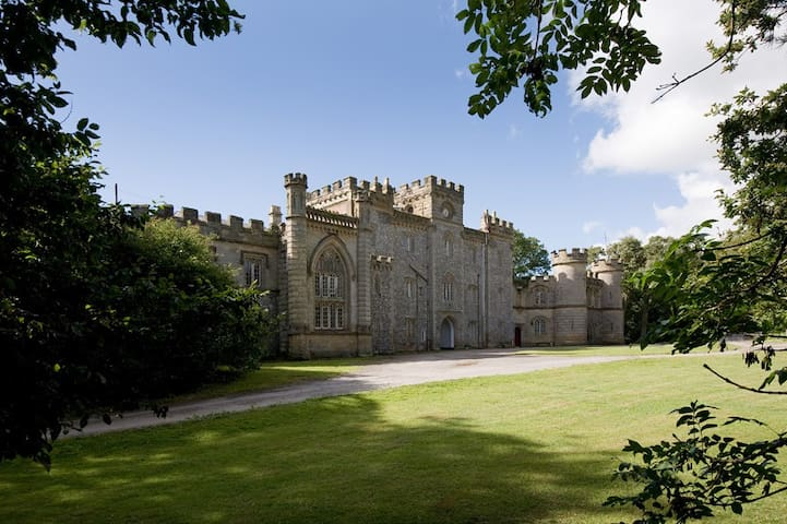 Authentic, contemporary castle experience Suite - Angmering - Castelo