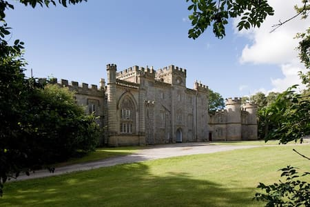 Authentic, contemporary castle experience Suite - Angmering - Schloss