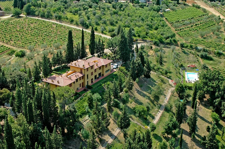Rural Tuscany | Panoramic villa with private pool