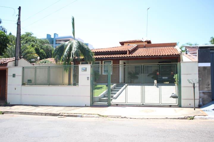 Casa inteira em Jaguariúna - Jaguariúna - House