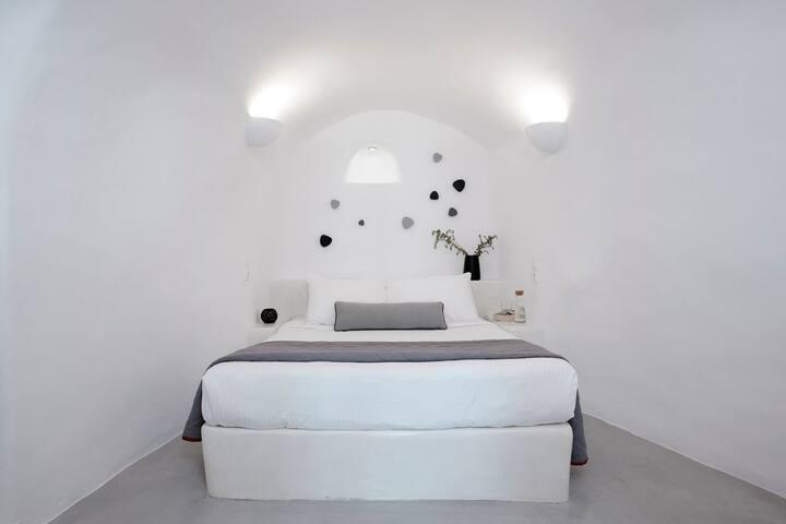 Deluxe One-Bedroom Cave Villa