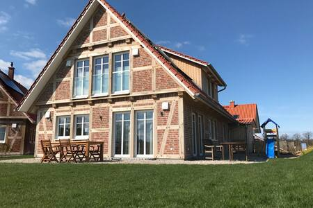 """Modernes Landhaus """"Meereszeiten"""" im Fachwerkstil - Kalkhorst - 獨棟"""