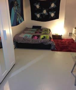 Logt pr 2 à 4 pers ds loft 100 m2 - Paris