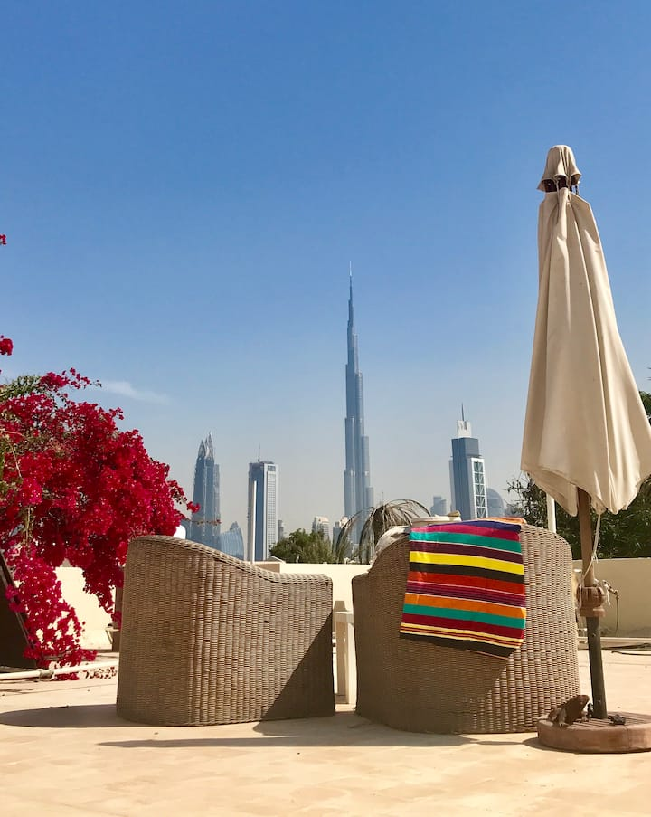 Venus Villa in the heart of Jumeira *FEMALE ONLY*