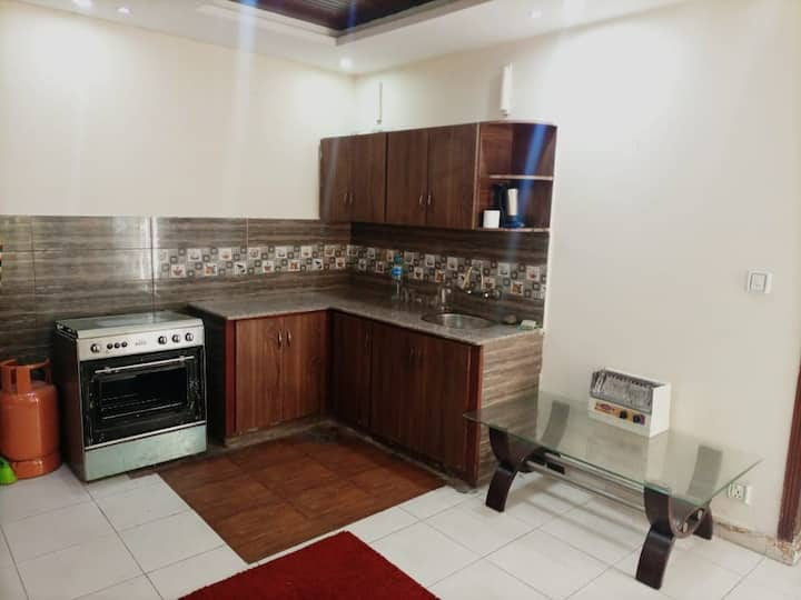 Independent Apartment for Couples & Families.