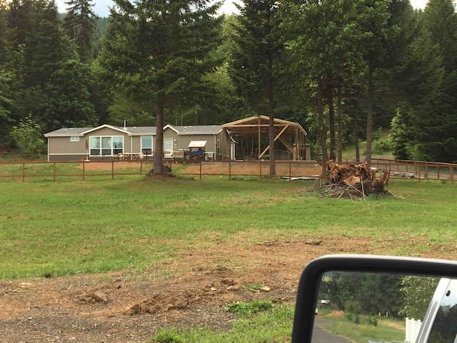 Great country home in BZ Corner Wa 98672