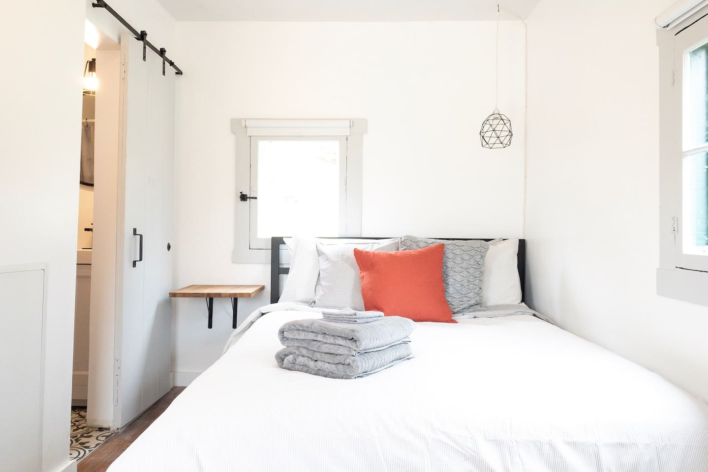 The small studio space boasts a comfy queen sized bed to leave you feeling rested!