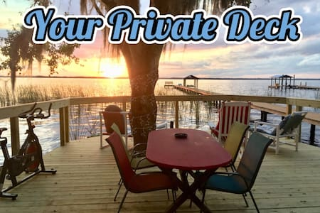 Romantic Cabin for 2 ~ St John's River ~Bring Boat