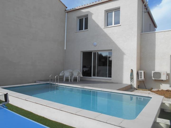 maison avec piscine à Mèze