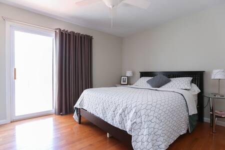 2 Bedrooms, sleeps 4, great deck! - Weaverville