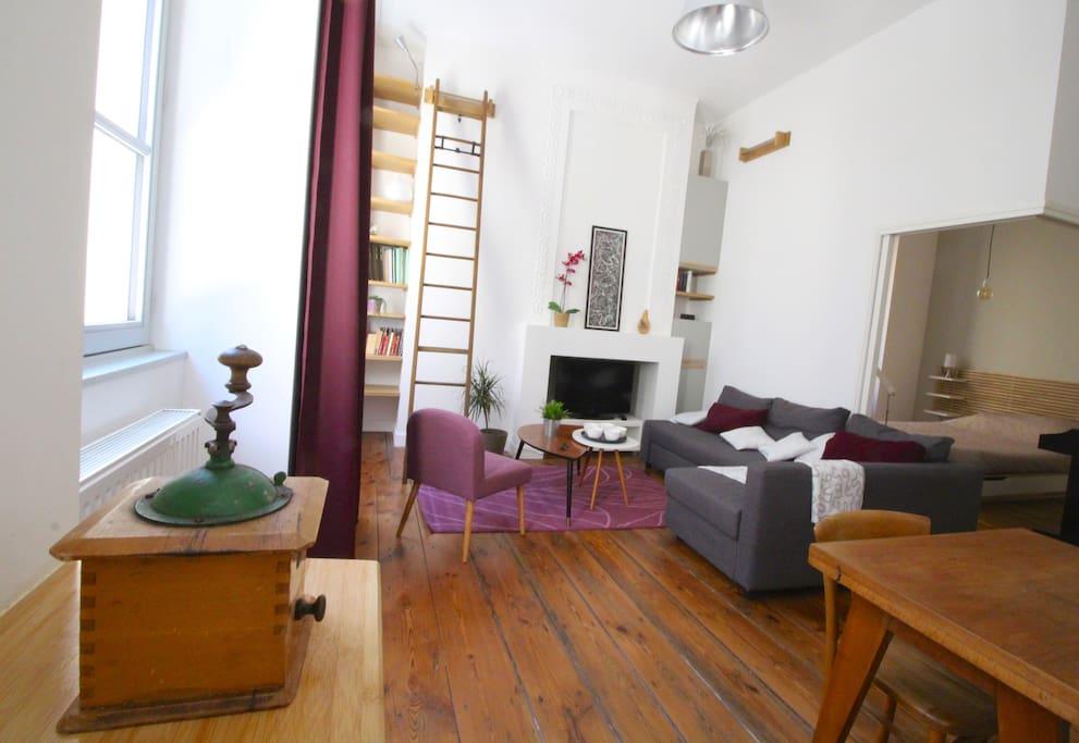 1 chambre en plein coeur du quartier saint michel for Appartement bordeaux quartier saint michel