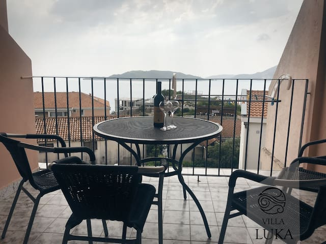 New Apartman with sea view (4+1)