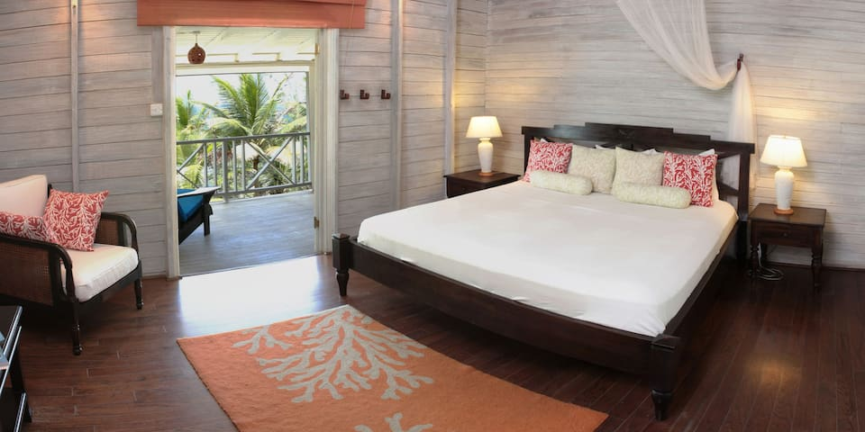 Sea-U Guest House - Top Floor Suite - Bathsheba - Daire