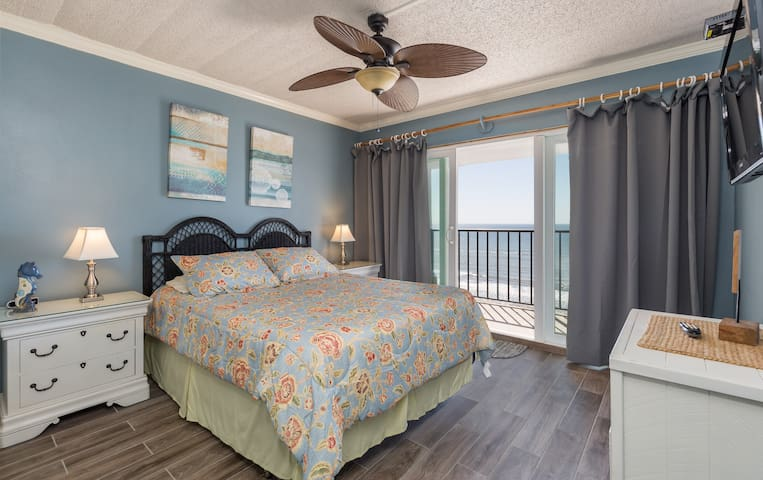South bedroom opens up to a 22' foot balcony overlooking the Gulf