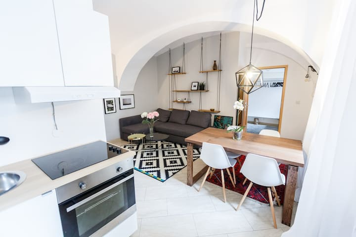 TOP Location - Charming Apartment