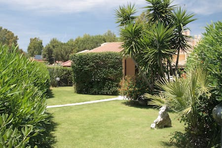 300 mt dal mare Geremeas - Villetta con giardino - Geremeas